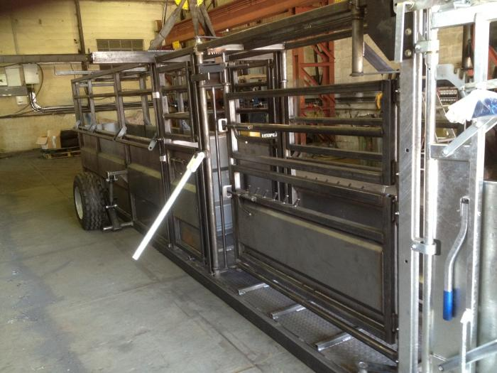 Mobile Cattle Handling Crush Gsf Livestock Systems